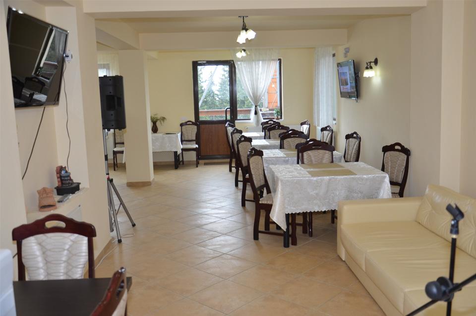 La parter - sala de mese, lounge si zona de relaxare
